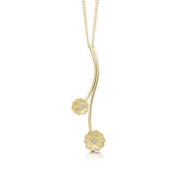 Primula Scotica in Gold Pendant